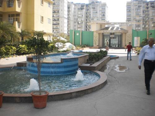 Emerald Court, Noida - 2,3 and 4 BHK Luxury Apartments