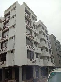 80 Sq. Yards Commercial Shop for Sale in 100 Ft Ring Road, Ahmedabad