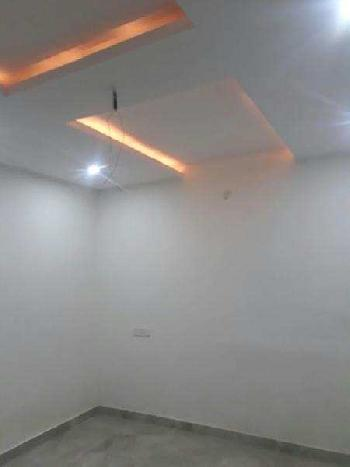 500 Sq.ft. Commercial Shop for Rent in Cheema Chowk, Ludhiana