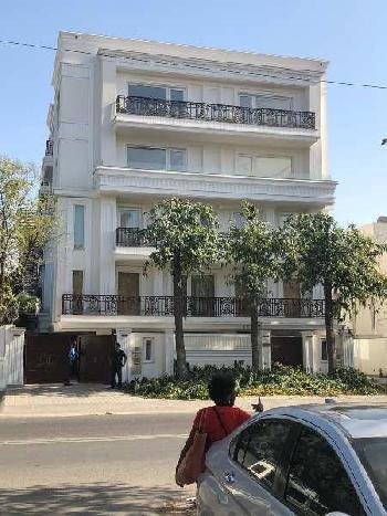 5 BHK 9600 Sq.ft. Builder Floor for Rent in Poorvi Marg, Vasant Vihar, Delhi