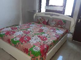 2 BHK Flat for Rent in Kanpur Road
