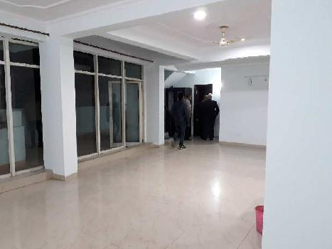 3 BHK 8000 Sq.ft. Residential Apartment for Rent in Hazratganj, Lucknow
