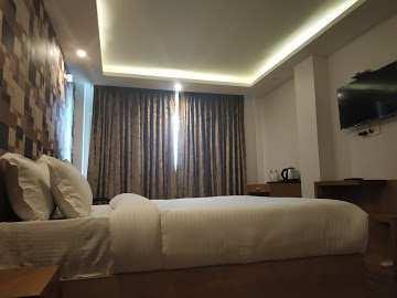 1800 Sq. Yards Hotels for Sale in Mussoorie, Dehradun