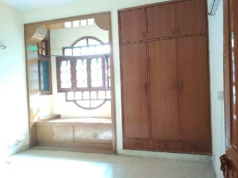 2 BHK 1350 Sq.ft. Residential Apartment for Rent in I. P Extension, Delhi