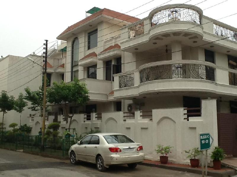 5 BHK Bungalows / Villas for Sale in Sector 47, Noida - 450 Sq. Meter