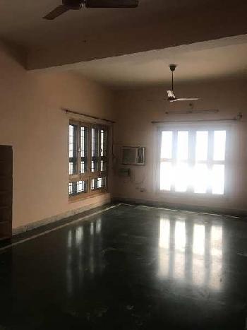 2 BHK 1600 Sq.ft. House & Villa for Rent in Rajaji Puram, Lucknow