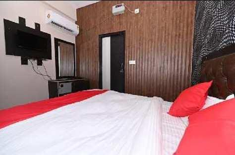 2500 Sq.ft. Hotels for Sale in Varanasi Varanasi