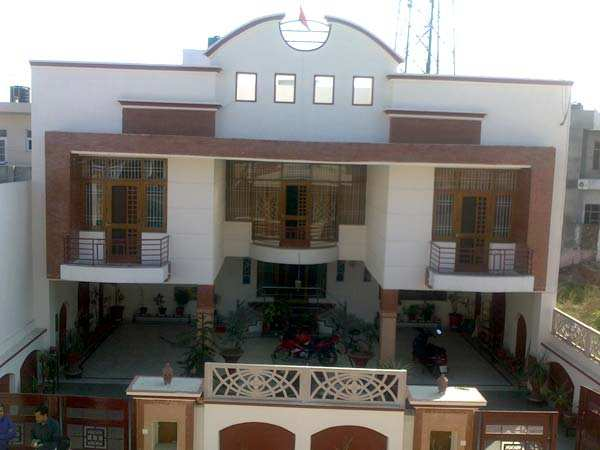 5 bhk independent houses villas for sale in patiala 370 sq yards rh realestateindia com