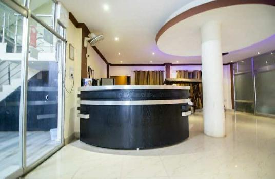 2000 Sq.ft. Hotels for Sale in Dashashwamedh Ghat, Varanasi