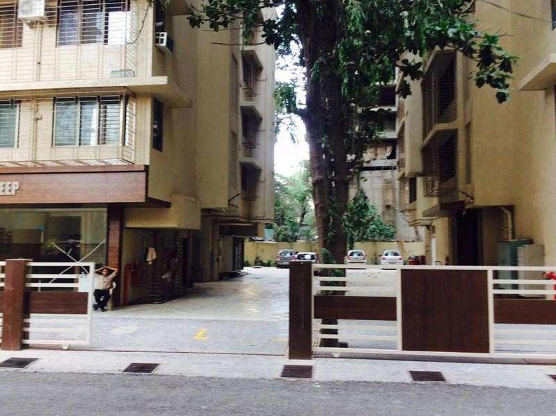 2 BHK Flats & Apartments for Sale in Andheri, Mumbai - 1200 Sq. Feet