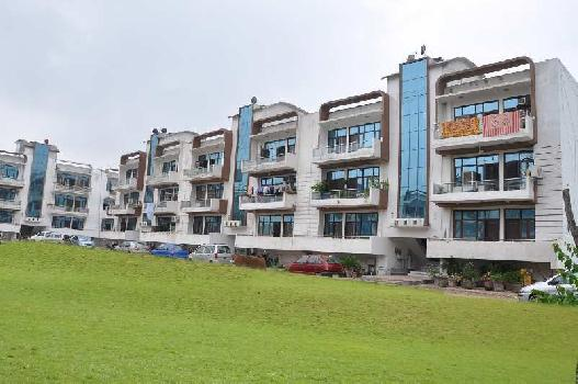 5 BHK 2200 Sq.ft. Residential Apartment for Sale in Nyay Khand 1, Indirapuram, Ghaziabad