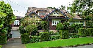 6 BHK Bungalows / Villas for Sale in Noida Expressway, Noida - 2600  Sq.ft.