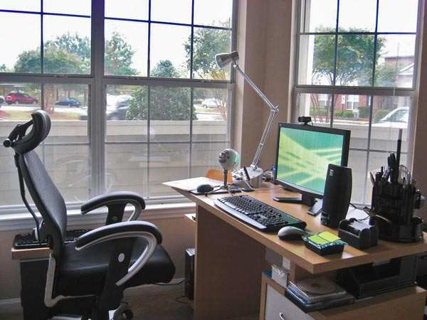 300  Sq. Feet Office Space for Sale in Noida Expressway, Noida - 10 Ares