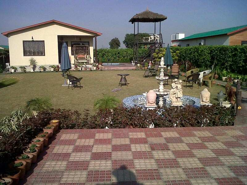 3 BHK Bungalows / Villas for Sale in Noida Extn., Noida - 2100  Sq.ft.