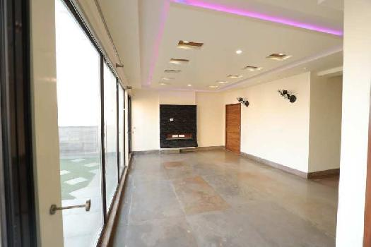 5000 Sq.ft. Penthouse for Sale in Vaibhav Khand, Indirapuram, Ghaziabad