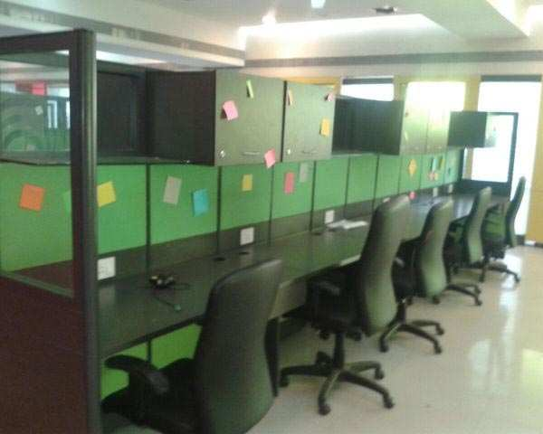 950 Sq. Feet Office Space for Rent in Bodakdev, Ahmedabad West - 950 Sq.ft.