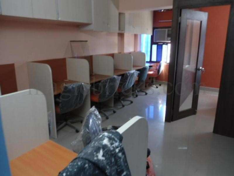 1086 Sq. Feet Office Space for Rent in Ashram Road, Ahmedabad West - 1086 Sq.ft.