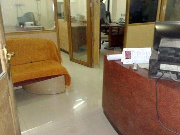 950 Sq. Feet Office Space for Rent in C.G. Road, Ahmedabad North - 950 Sq.ft.