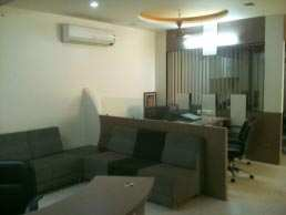 1100 Sq. Feet Office Space for Rent in Ambawadi, Ahmedabad West - 1100 Sq.ft.