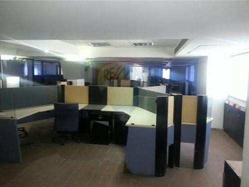 2500 Sq. Feet Office Space for Rent in S G Highway, Ahmedabad West - 2500 Sq.ft.