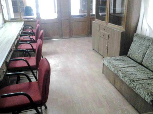 700 Sq. Feet Office Space for Rent in C.G. Road, Ahmedabad North - 700 Sq.ft.