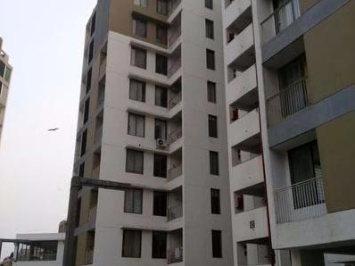 3 BHK Flats & Apartments for Sale in S G Highway, Ahmedabad - 2010 Sq. Feet