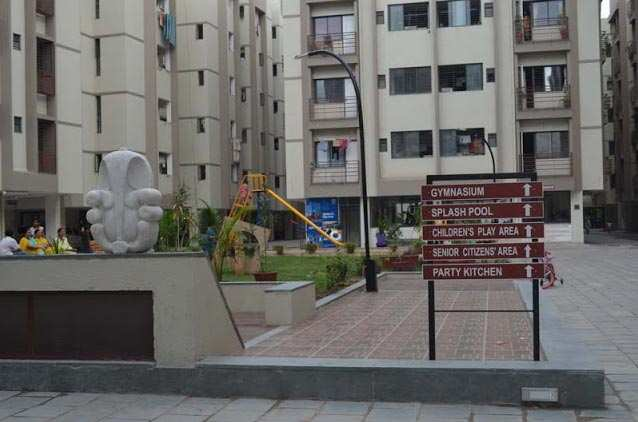 2 BHK Flats & Apartments for Sale in Vejalpur, Ahmedabad - 945 Sq. Feet
