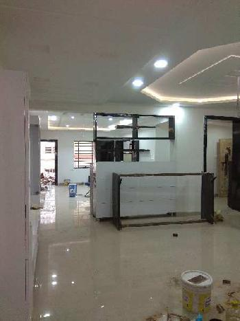 4 BHK 3225 Sq.ft. Residential Apartment for Rent in M G Road, Indore