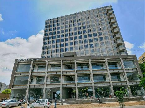 674 Sq.ft. Office Space for Sale in Bodakdev, Ahmedabad