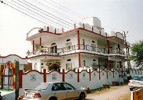 10000 Sq.ft. Guest House for Sale in Chaitanya Vihar, Vrindavan
