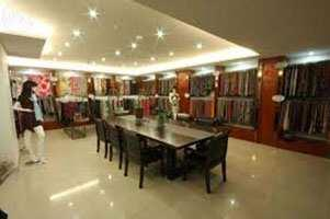 325 Sq. Yards Showroom for Sale in Defence Colony