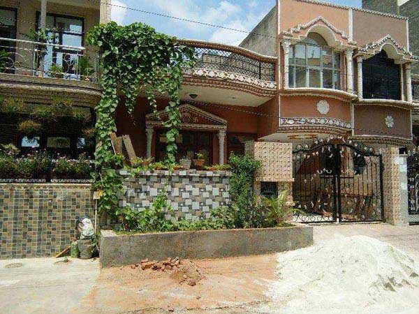 3 BHK Individual House for Sale in Sainik Colony, Faridabad - 100 Sq. Yards