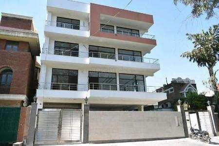 5 BHK 250 Sq. Meter House & Villa for Sale in Sector 26 Noida